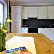 Edelweiss Essbereich und Küche