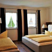 Edelweiss Schlafzimmer und Schlafbett
