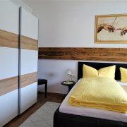 Enzian Schlafzimmer Bett